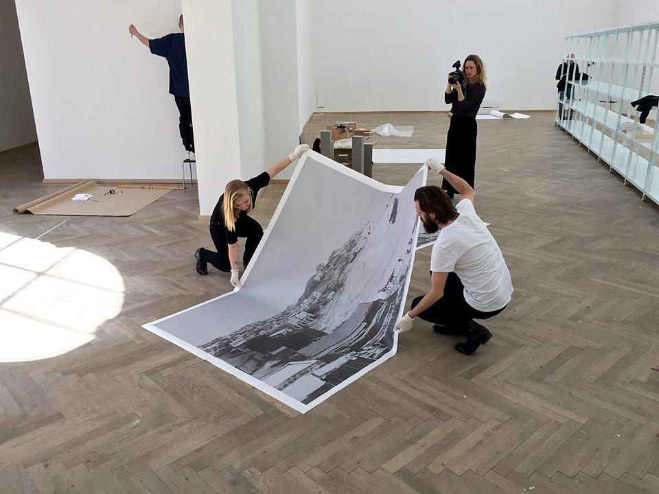 Klara Källström & Thobias Fäldt, Charlottenborg setting up