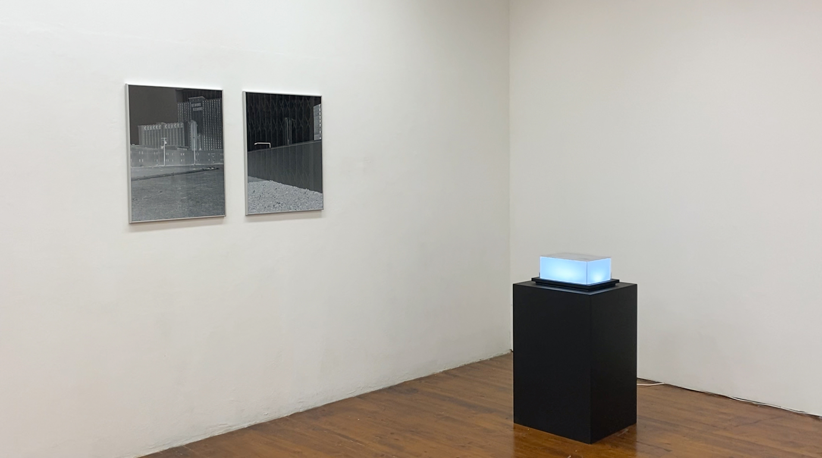 Alberto Sinigaglia, Microwave City: the Cloud Series (installation view)