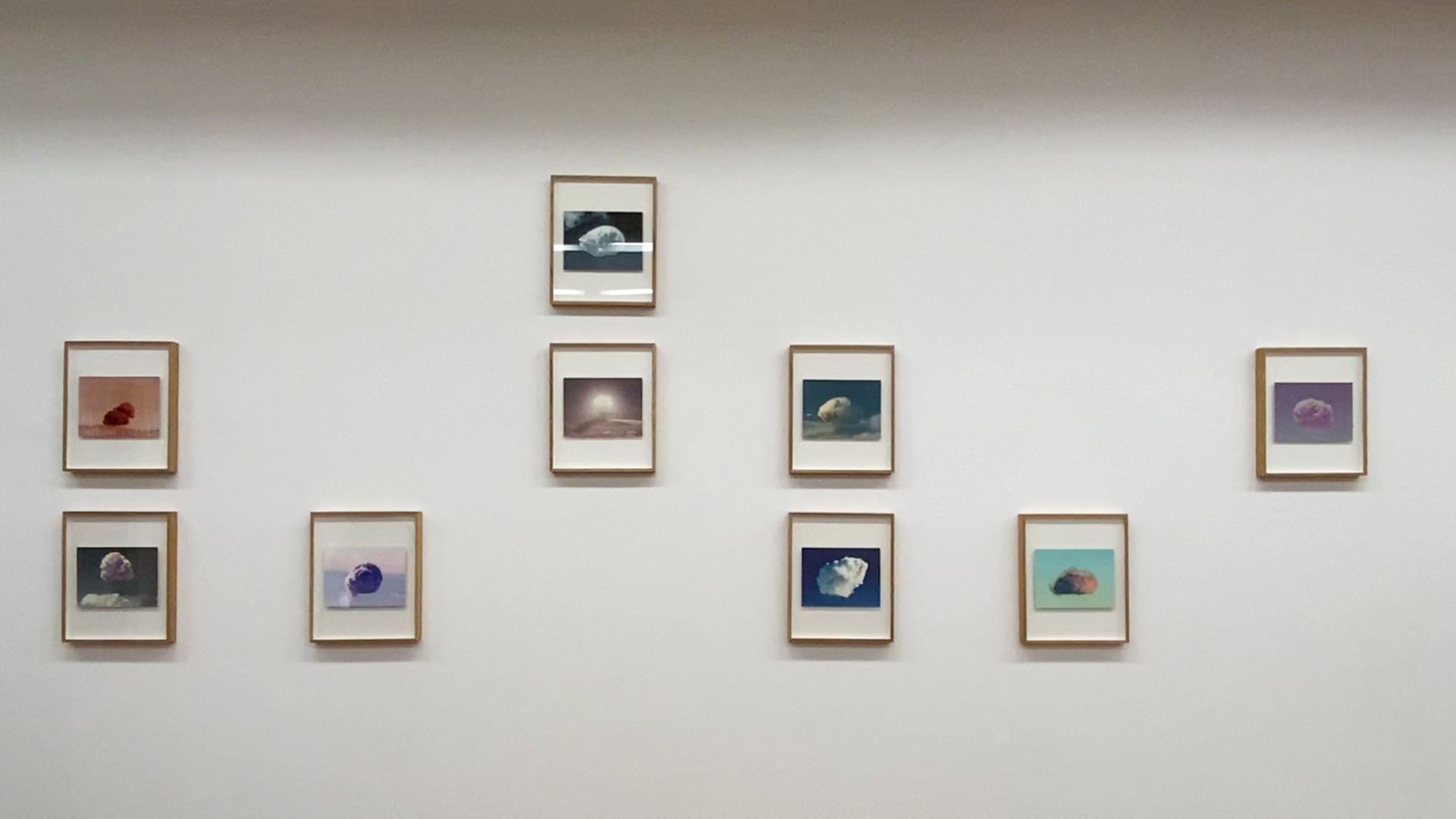 Alberto Sinigaglia, Microwave City: the Cloud Series (installation view)