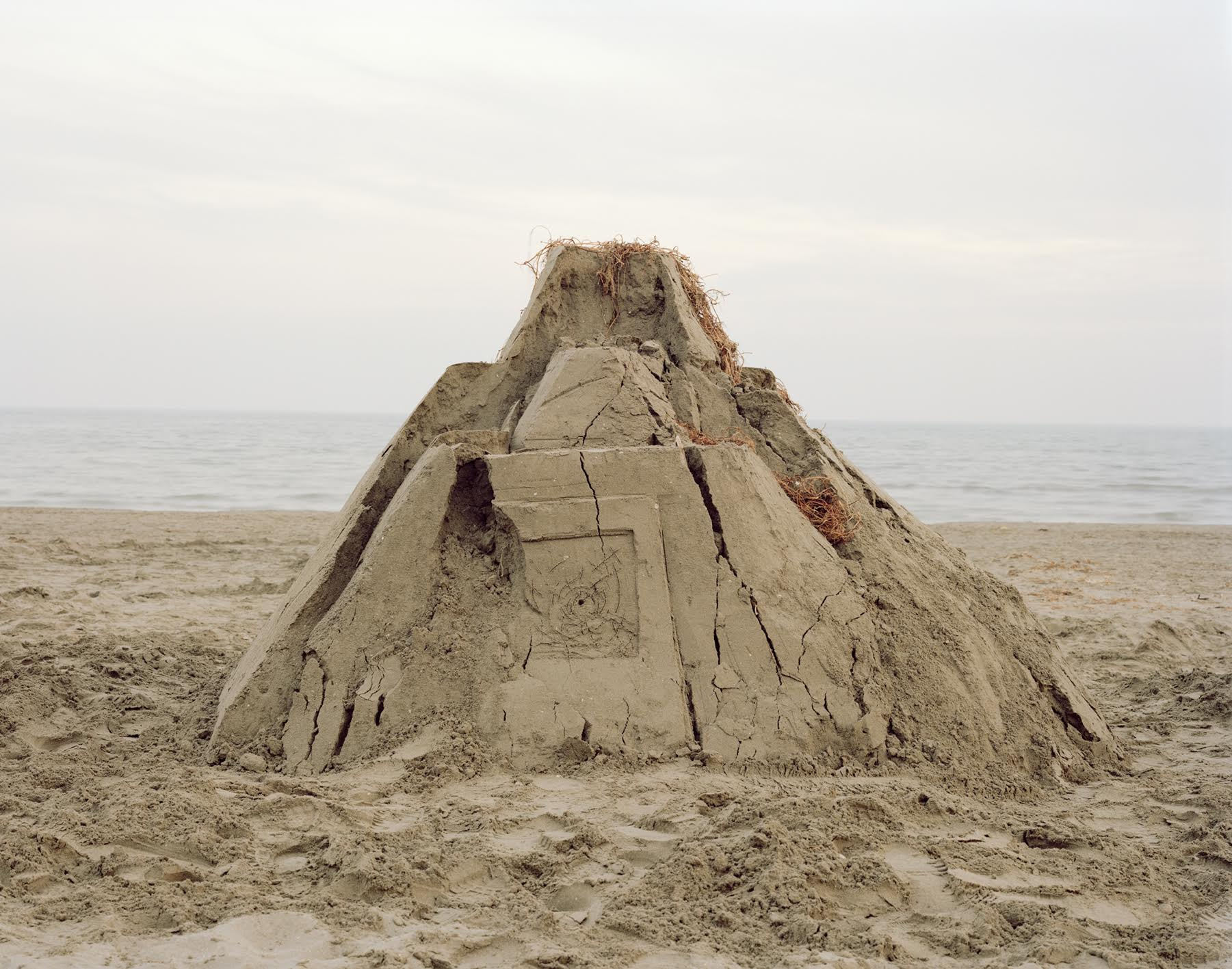 Alessandro Sambini, I will build a stronghold, 2016, color photograph, 48 x 63cm